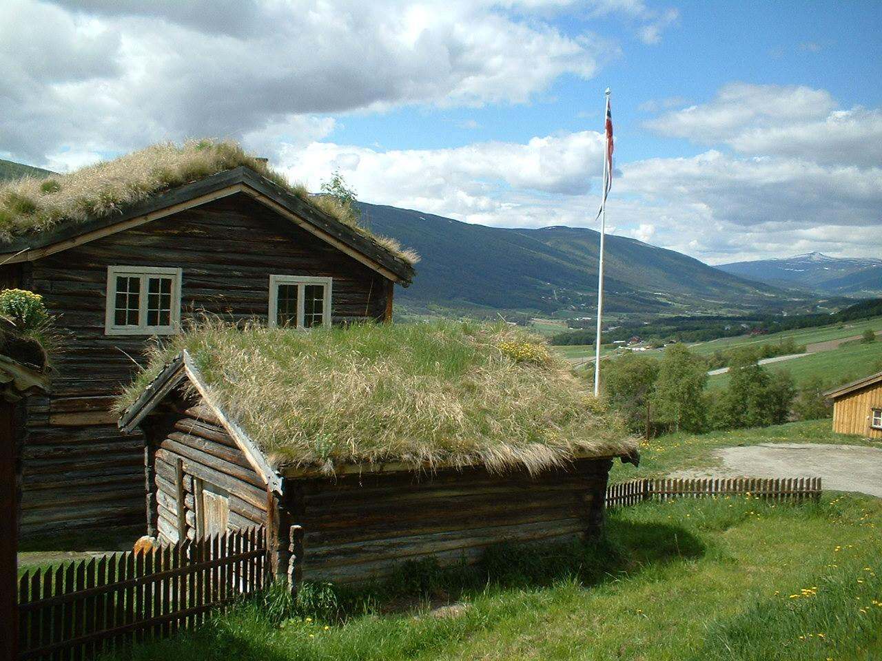 Scandinavia Travel: grass-roofed-house.jpg
